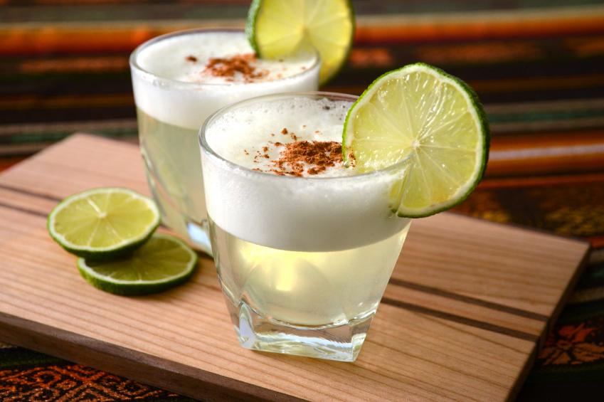 pisco sour - peruvian drinks