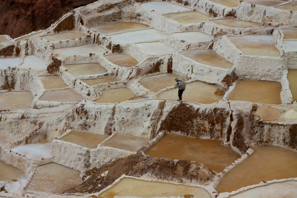 maras salt ponds - things to do in peru