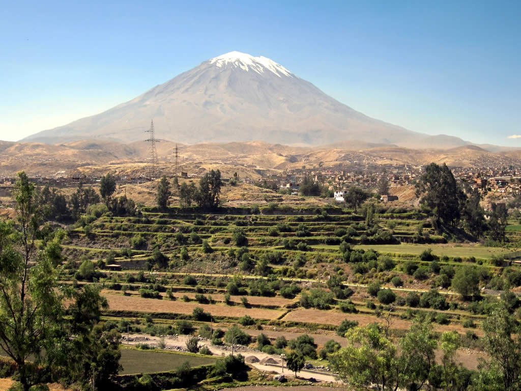 misti volcano - things to do in peru